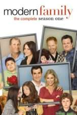 Nonton Streaming Download Drama Modern Family Season 01 (2009) Subtitle Indonesia